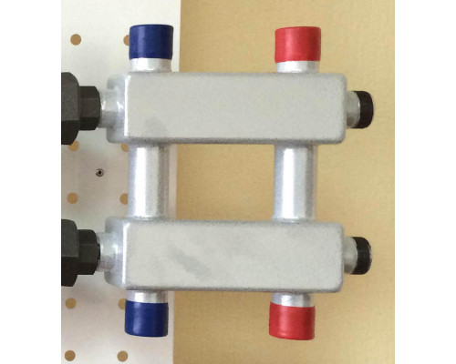 Модульный коллектор MK-60-3DU (до 60 кВт, магистраль G 1″, 3 контура G 1″ звездочкой, кронштейны K.UF, цвет ″серебро на белом″)
